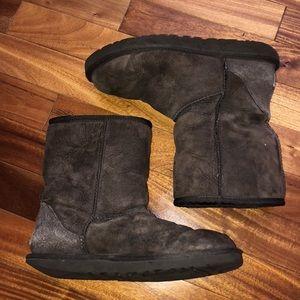 UGGs Chocolate short boot